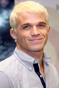 Cam Gigandet dyes hair platinum blond