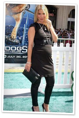 Christina Applegate's pregnant celebrity style