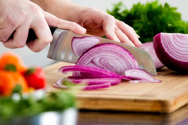 Peeling & slicing fruits & veggies