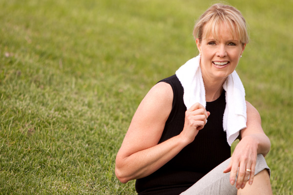 Fit mature woman exercsiing