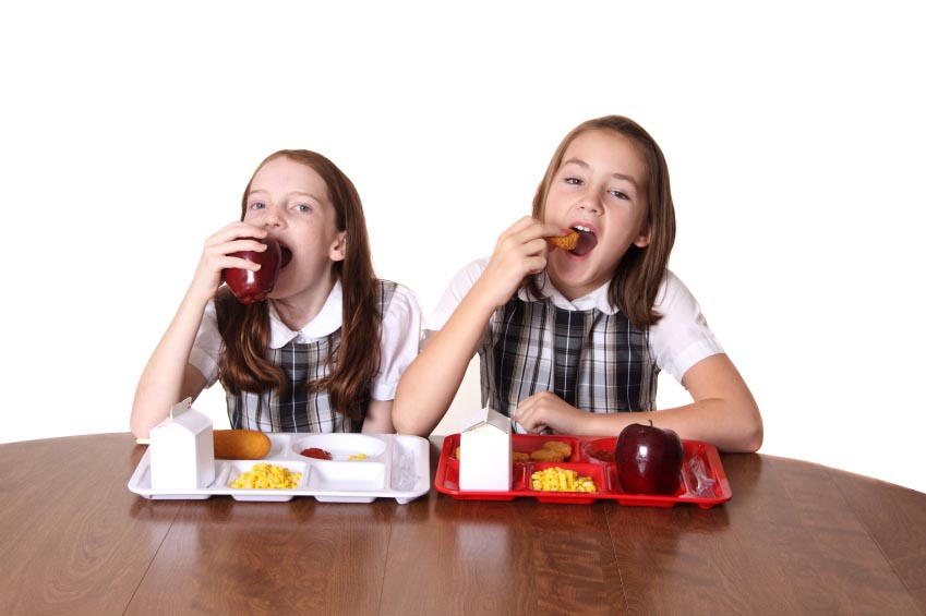 kids eating school lunch