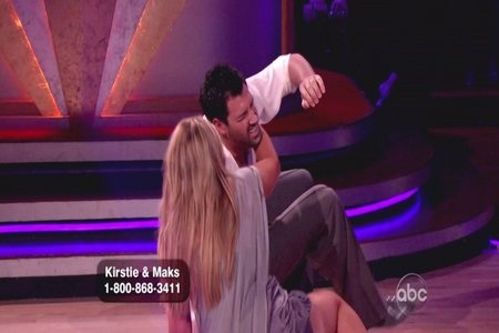 Maksim Chmerkovskiy and Kirstie Alley take a fall