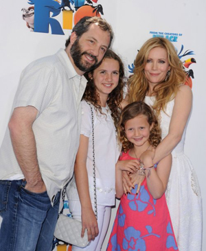 Leslie Mann and family at Rio premiere