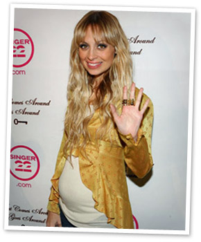 Nicole Richie's stylish pregnancy fashion