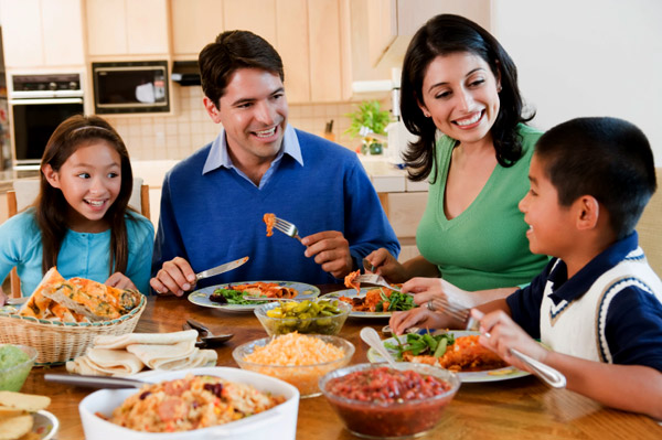 http://cdn.sheknows.com/articles/2011/04/parenting/family-dinnertime.jpg