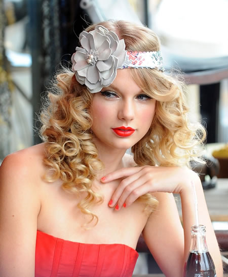 Taylor Swift House Pictures. Taylor Swift has spent an