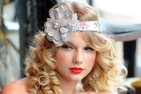 Taylor Swift: Miss Generosity