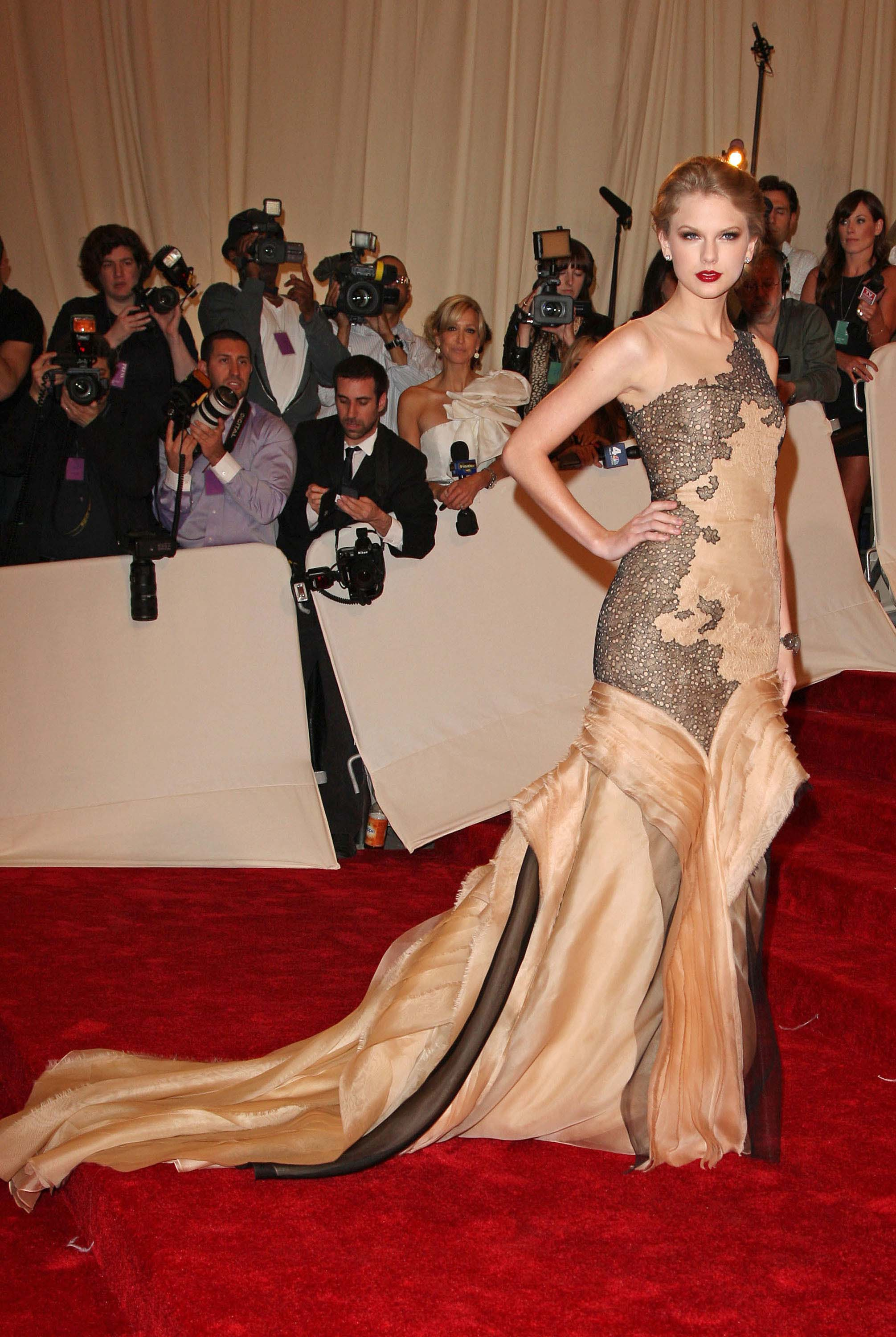 Taylor Swift 2011 MET Gala