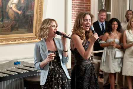 Kristen Wiig and Rose Bryne battle in Bridesmaids