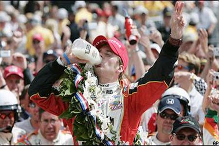 Dan Wheldon's William Rast car wins the indy500
