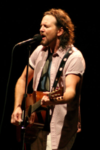 Eddie Vedder & PJ 20
