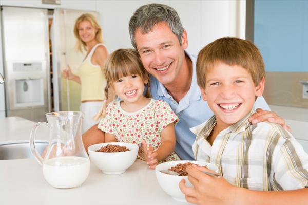 family-eating-breakfast