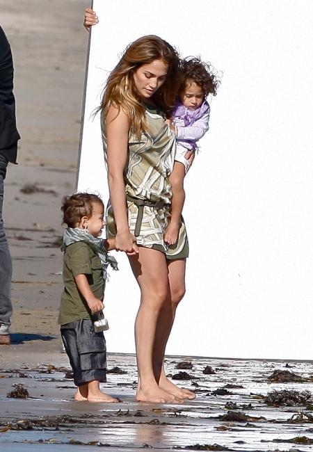 Katie, Jennifer & Kate define chic mom