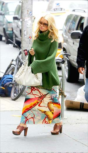 Jessica Simpson green Cozy sweater