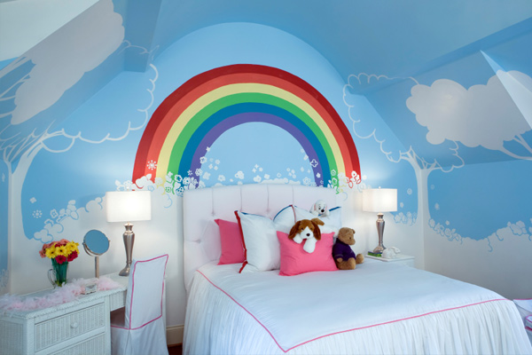 Kids bedroom with mural
