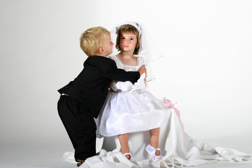 kids-pretend-marriage