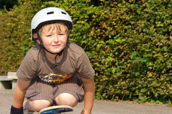 boy-skateboarding