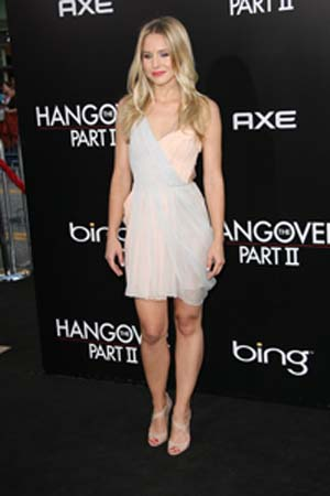 Kristen Bell at the premiere of The Hangover 2