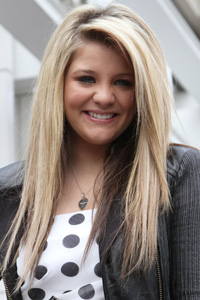 Lauren Alaina: The show must go on!