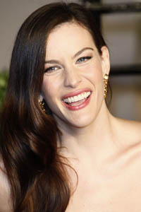 Liv Tyler takes it all off