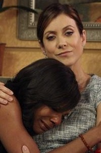 Addison gives Naomi support in the Private Practice finale