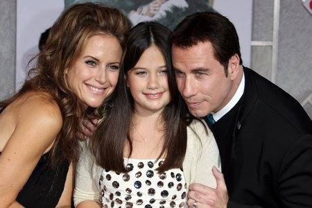 Photo of Kelly Preston & her Daughter  Ella Bleu Travolta