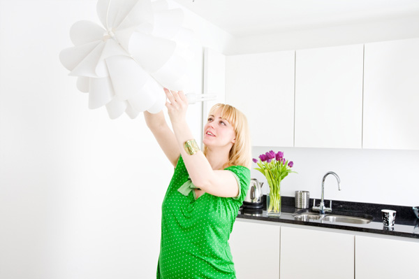 woman-with-cfl-bulb