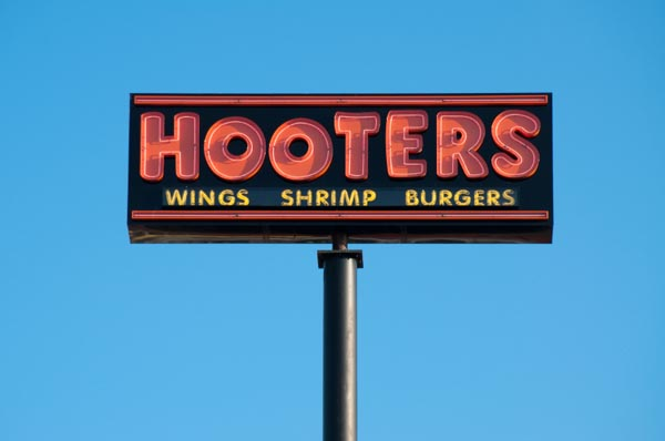 Hooters-sign-field-trip