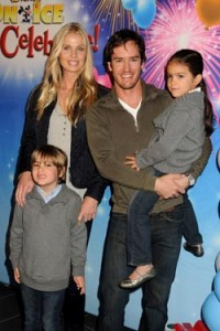 Mark-Paul Gosselaar and family
