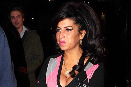 Amy Winehouse booed off stage in Belgrade