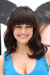 Carla Gugino gives us her all