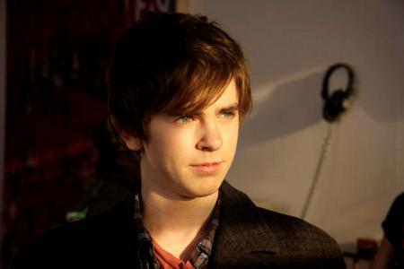 Freddie Highmore in The Art of Getting By