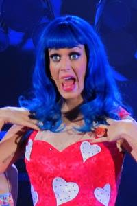 Katy rocks red hair