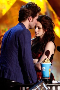 Kristen Stewart and Robert Pattinson hope to have more reasons to kiss at the MTV Movie Awards