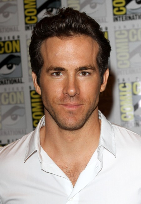 Ryan Reynolds promoting Green Lantern