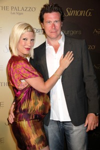 Tori Spelling crashed into school
