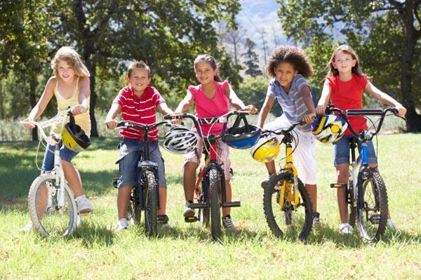 tweens-riding-bikes
