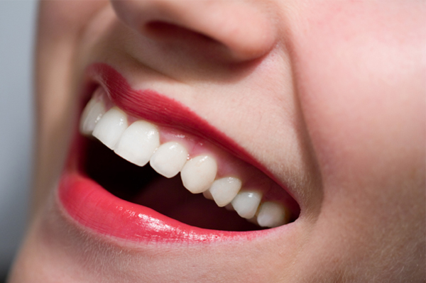 How to... whiten your teeth