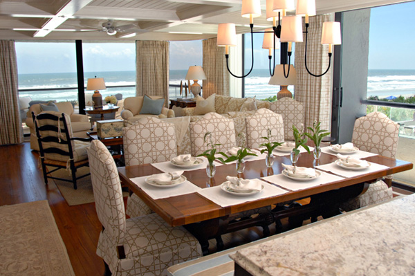 Expert tips for sophisticated beach house d cor for Interior designs for beach houses