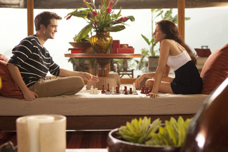 Breaking Dawn photo with Robert Pattinson and Kristen Stewart