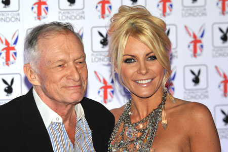Crystal Harris apologizes to Hef