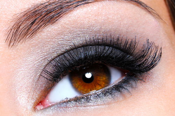 how to clean mascara off eyelash extensions
