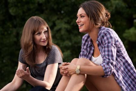 Patricia Clarkson and Mila Kunis in Friends with Benefits