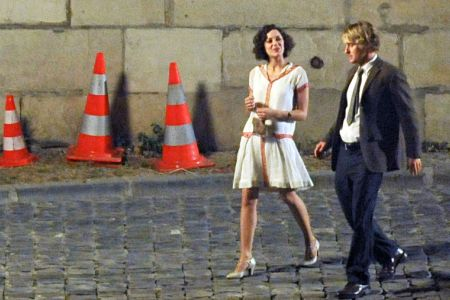 Midnight in Paris is a performer; but no Annie Hall.