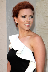 Scarlet Johansson Divorce Party