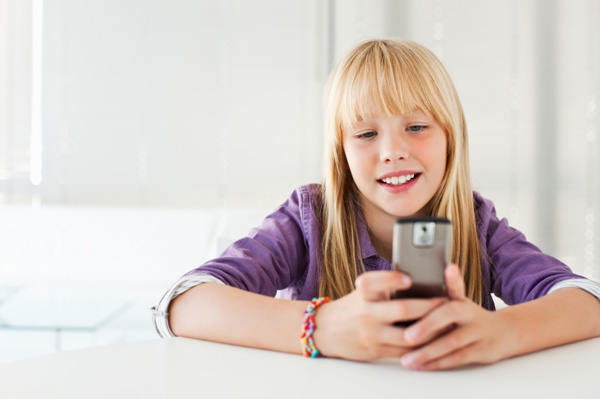 tween-on-cell-phone