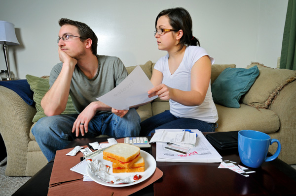 Woman nagging husband about budget
