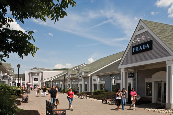 5 outlet malls worth visiting. Black Bedroom Furniture Sets. Home Design Ideas