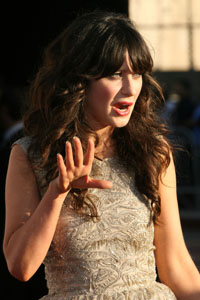 Zooey Deschanel in war of words with LA Times reporter