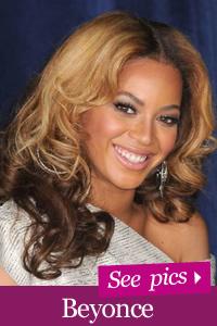 Beyonce shows off baby bump at VMAs